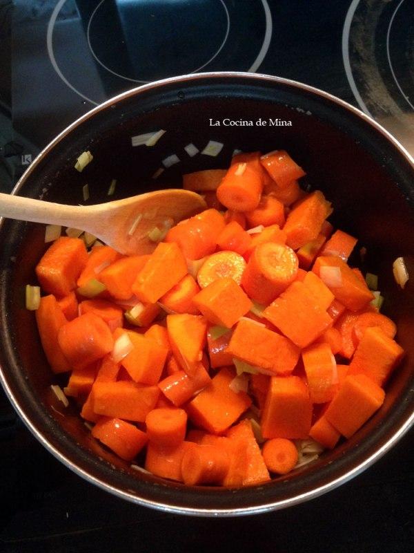 pure-de-calabaza-y-zanahoria-especiado-agregar-zanahoria-y-calabaza