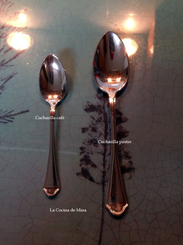 pure-de-calabaza-y-zanahoria-especiado-cucharillas